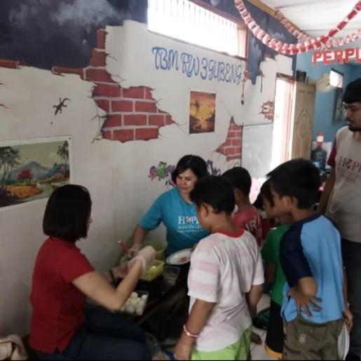 Kegiatan Feed to Build Surabaya